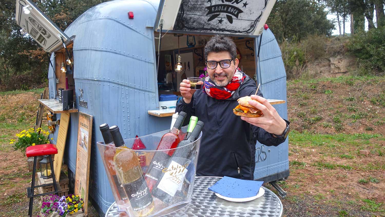 Mr. Vin degusta hamburgueses artesanes amb vi català amb DO